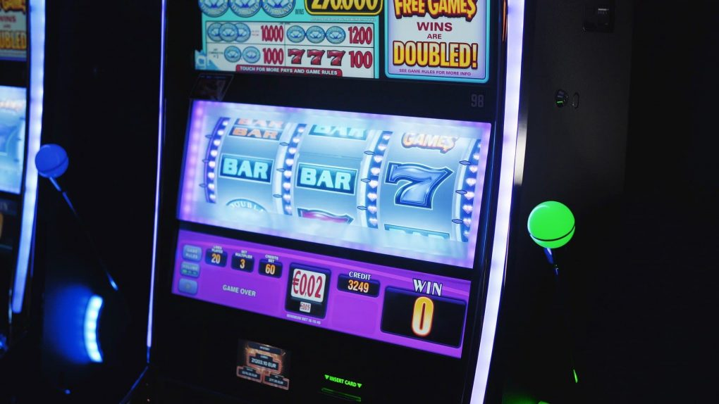 Slot Machines That Pay Bloggers